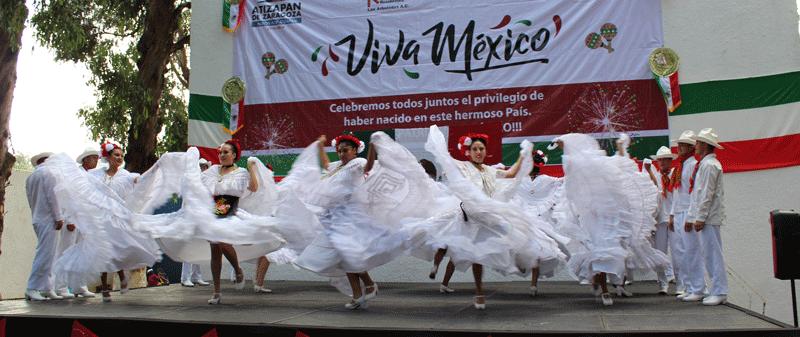 La Bamba, de lo mejor en el festejo patrio de Las Arboledas, Atizapán