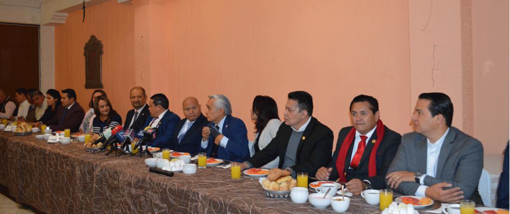 Raciel Pérez Cruz, diputados y síndicos y regidores anuncian la transformación de Tlalnepantla