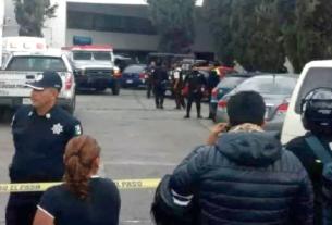 Al menos ocho sujetos asaltaron una camioneta de valores para llevarse al menos 10 millones de pesos y asesinar a un custodio