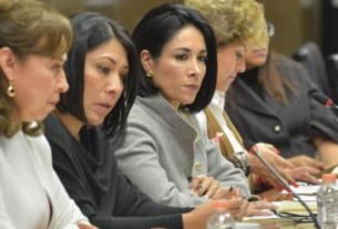 La diputada por Morena, Karina Labastida, advierte sobre el riesgo de la deuda de la mayoría de los municipios mexiquenses