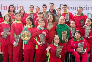 27 deportistas recibieron de manos de la alcaldesa de alto rendimiento beneficiados del programa de Estímulos Económicos al Alto Rendimiento.