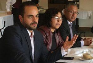 El primer síndico electo de Naucalpan, Maximiliano Alexander, y los regidores electos Maricela Hernández y Jesús Francisco Hernández de Luis