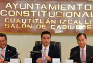 El alcalde de Cuautitlán IZcalli, entrega al cabildo su tercer y último informe