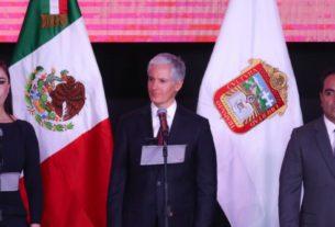 El gobernador del Estado de México, Alfredo Del Mazo tomó la protesta a Patricia Durán Reveles, como presidenta municipal de Naucalpan