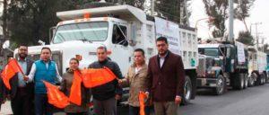 El alcalde de Cuautitlán, Ariel Juárez, dio el banderazó de salida para la recolección de basura acumulada en el municipio