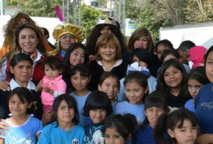 Miles de niños son festejados en Día de Reyes Magos en Atizapán