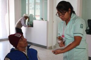 Enfermedades de vías respiratorias obligan a acudir por primera vez al IMSS
