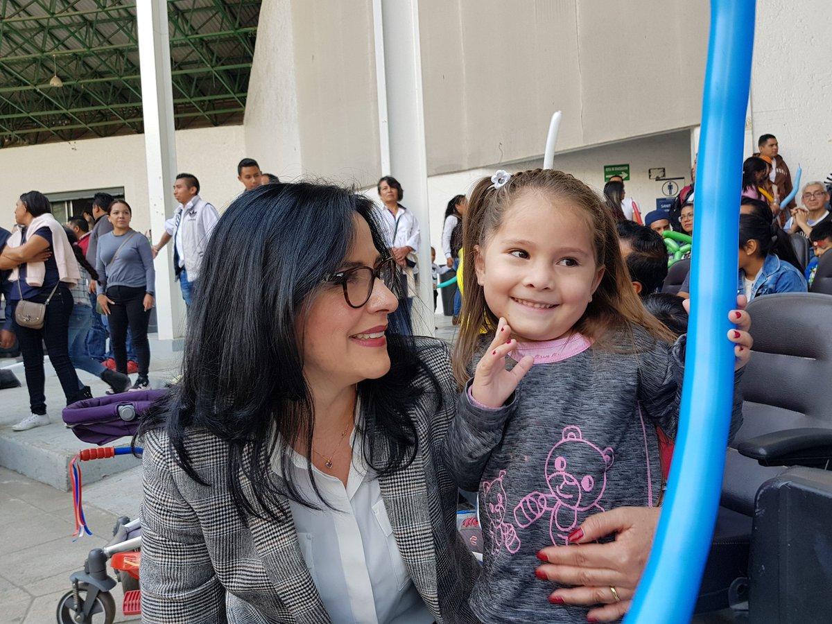 Lily Durán, presidenta del DIF Naucalpan festeja el Día de Reyes con los niños