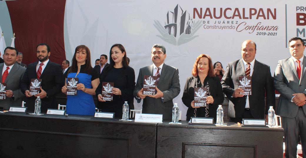 La alcaldesa Patricia Durán, miembros del cabildo y de la administración de Naucalpan presentan el Bando Municipal 2019