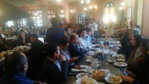 Empresarios en reunión con las autoridades de Cuautitlán que encabeza Ariel Juárez