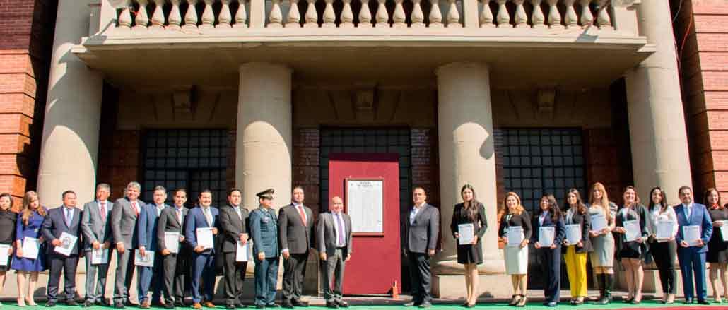 Raciel Pérez Cruz, alcalde de Tlalnepantla, encabezó ceremonia de promulgación del Bando Municipal