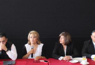 La alcaldesa de Atizapán, Ruth Olvera Nieto, con los regidores, asumen compromiso de solicitar pronto esclarecimiento de asesinato de regidor