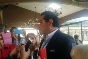 El presidente municipal de Huixquilucan, Enrique Vargas del Villar anuncia programa de reforestación tras los incendios