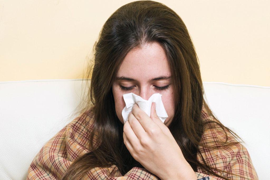 Resequedad de las vías respiratorias, síntomas de probable enfermedad por contaminación