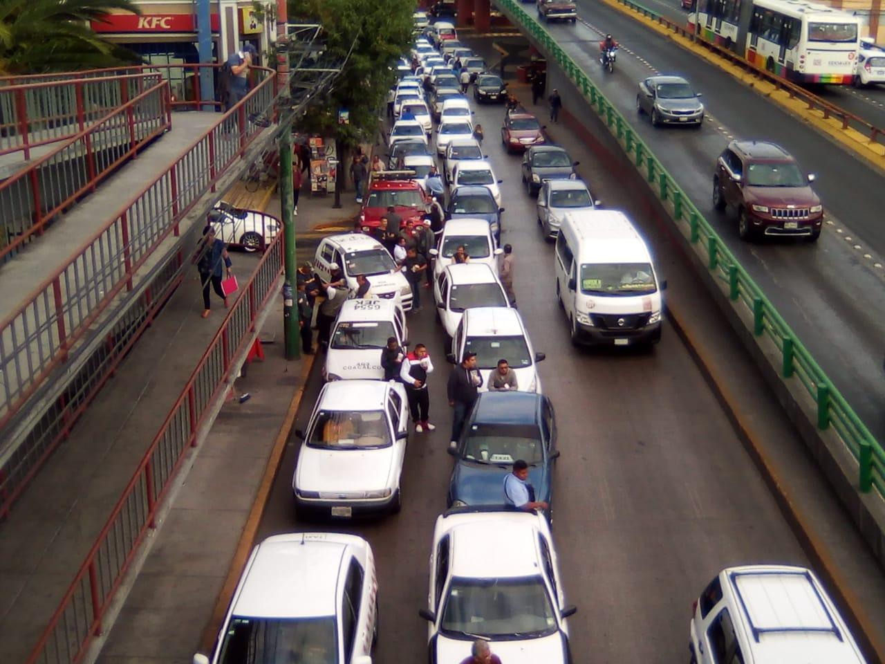 La circulación solo por las laterales de las avenidas