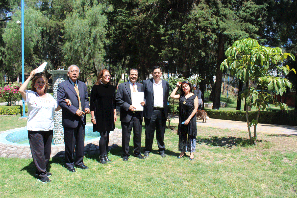 La directiva de la Asociación de Colonos Lomas de Bellavista muestran el parque que rescatan para disfrute de la comunidad y el medio ambiente