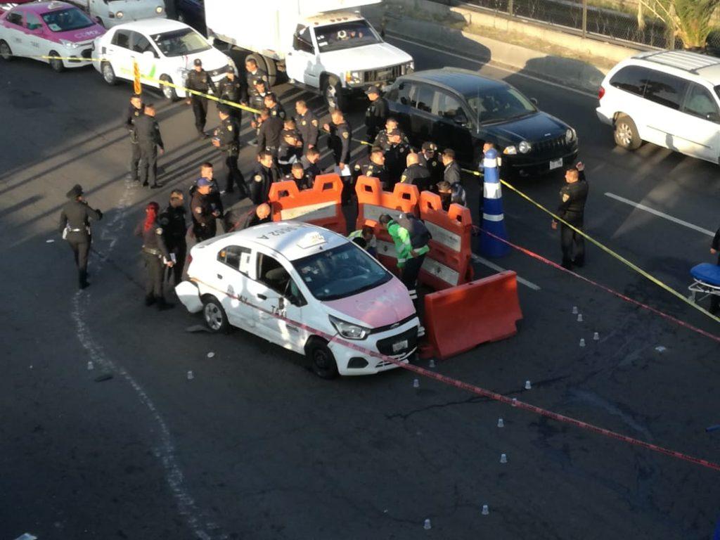 El asaltante es sometido después de chocar y herir a un uniformado en la Ciudad de México