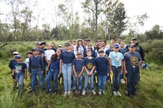 Decenas de niños acudieron a la reforestación de la Sierra de Guadalupe