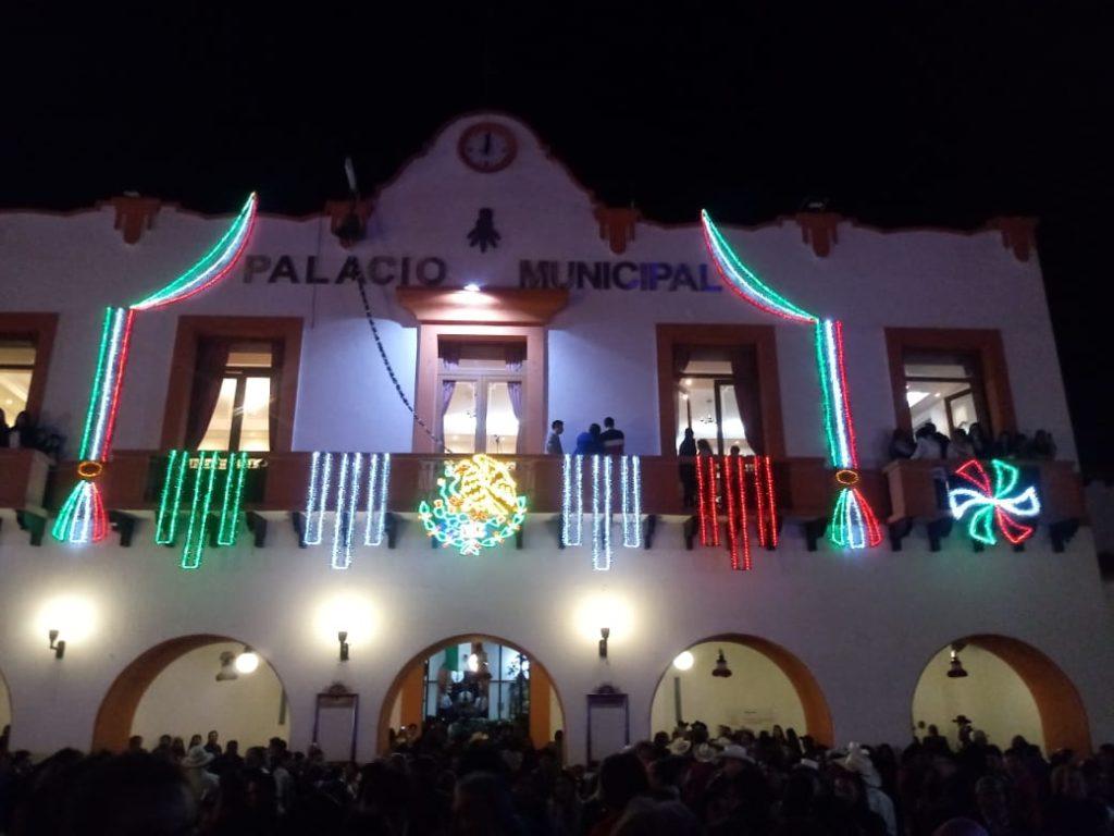 La noche del 15 de Septiembre, inolvidable en Almoloya de Juárez