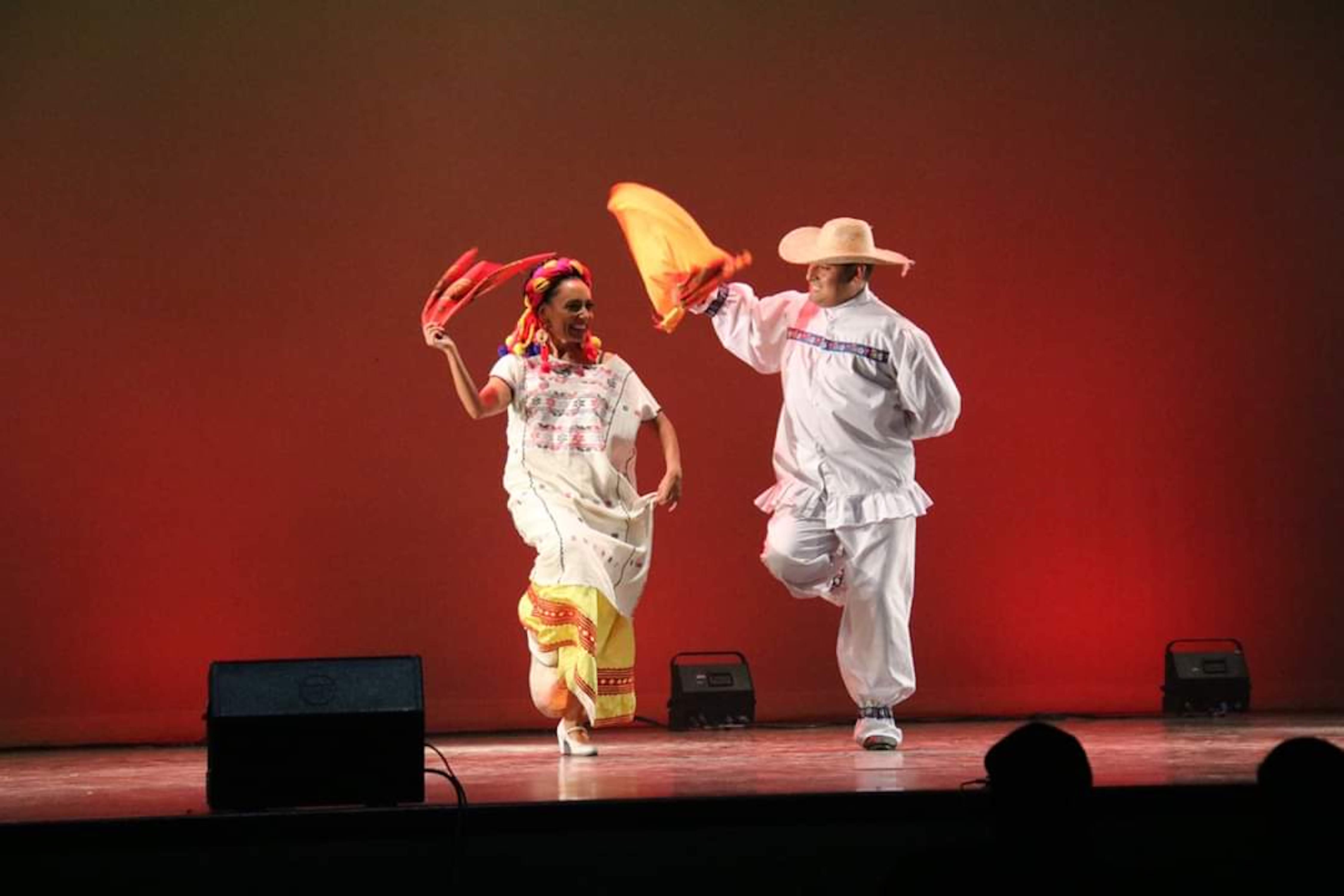 Cumbre de Maestros de Danza Folclórica en Canadá