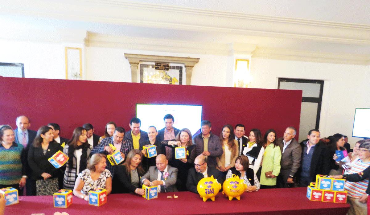 Funcionarios de Tlalnepantla, encabezados por Raciel Pérez Cruz donan al Teletón