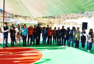 La alcaldesa de Tultitlán, Elena García Martínez, reconoce a ciudadanos que exigieron obras de calidad en el renovado módulo del deportivo de la colonia Real del Bosque
