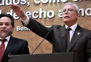 Vestido de café, toma protesta Jaime Bonilla como gobernador de Baja California