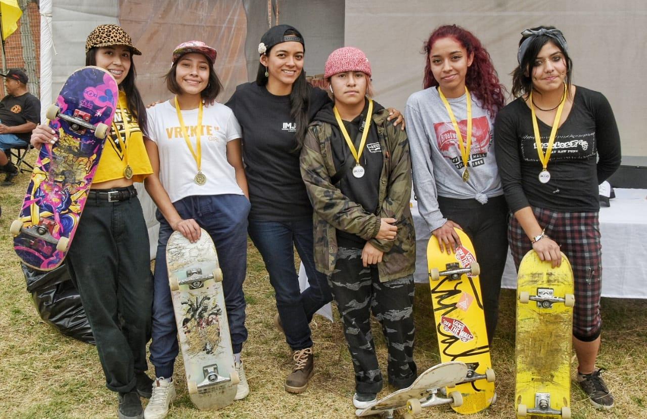 Excelente participación de la belleza en el Skate de Izcalli