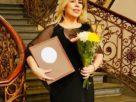 Distinguida con el Premio Nacional de la Mujer, Isabel Ruiz de Velasco