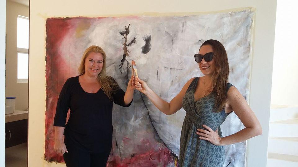 Isabel Ruiz de Velasco, actúa con los demás artistas para enriquecer exposiciones