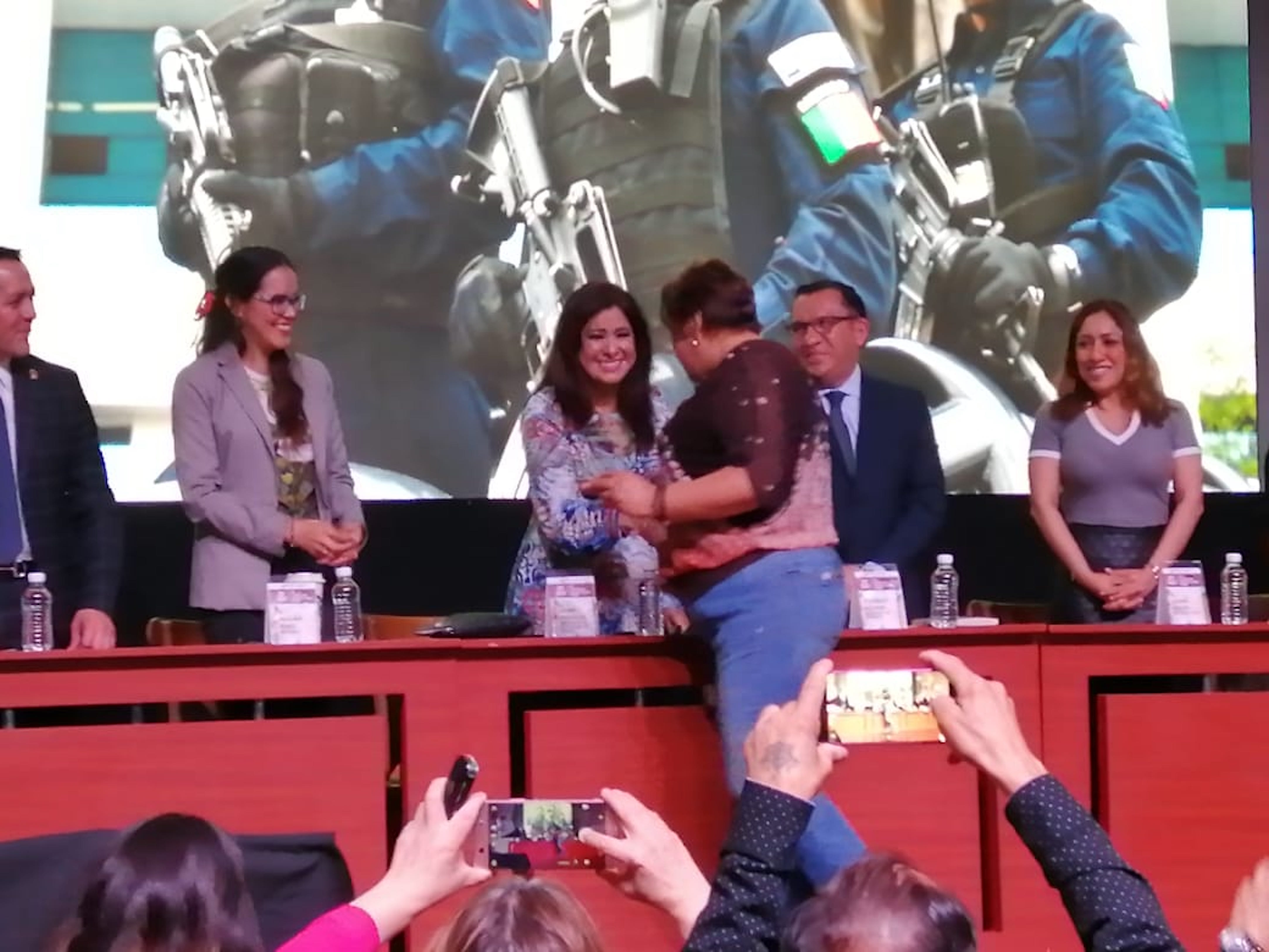 La presidenta del CCE, Laura González premia a organizaciones civiles