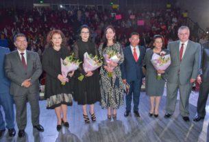 La presidenta del DIF Naucalpan, Lilia Durán Reveles, informó del primer año de labores ante la alcaldesa, Patricia Durán, autoridades federales, estatales y miembros del cabildo