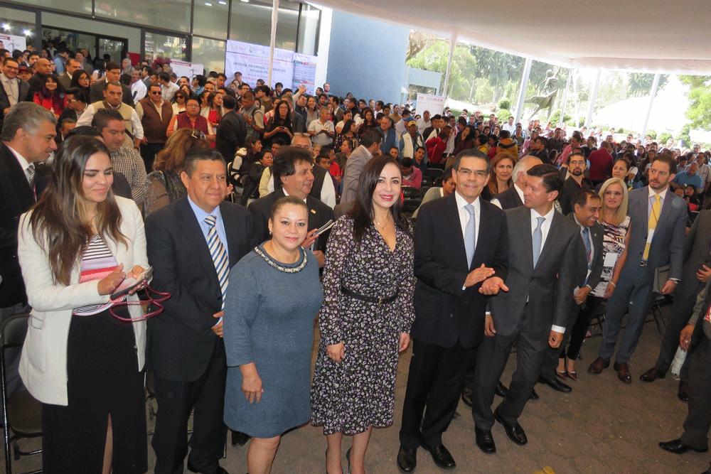 Patricia Durán, los secretarios de Desarrollo Económico estatal y municipal, Enrique Jacob y Alfredo Vinalay y empresarios en la 2ªFeria del Empleo