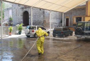 Espacios públicos son sanitizados en Tlalnepantla