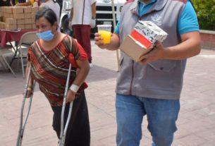 Comidas calientes fueron repartidas por personal del Ayuntamiento de Naucacalpan