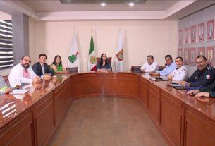 La alcaldesa de Naucalpan Patricia Durán Reveles se reúne a diario con funcionarios de primer nivel para resolver problemas que se presenten por el COVID-19