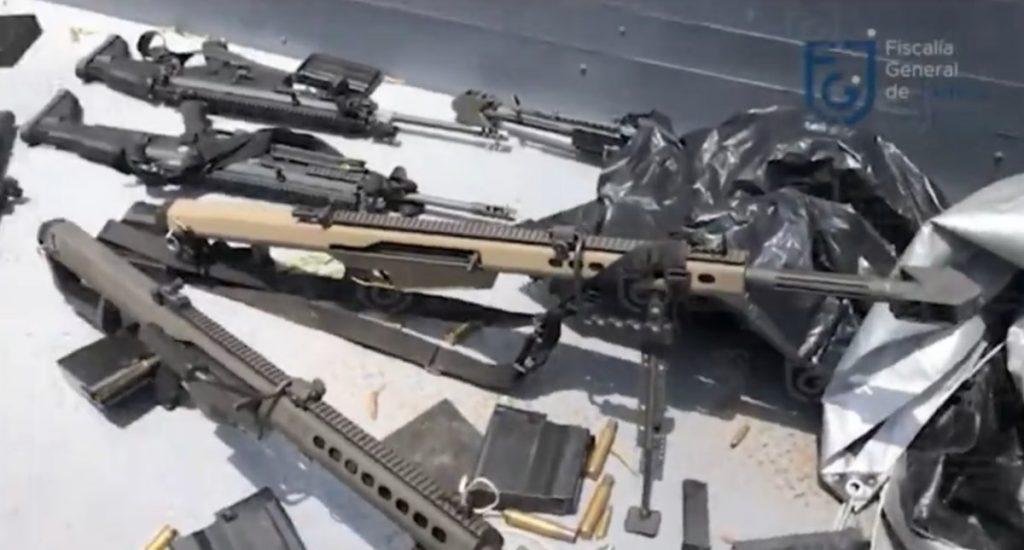 Las armas, Barret, bombas molotov y granadas decomisadas