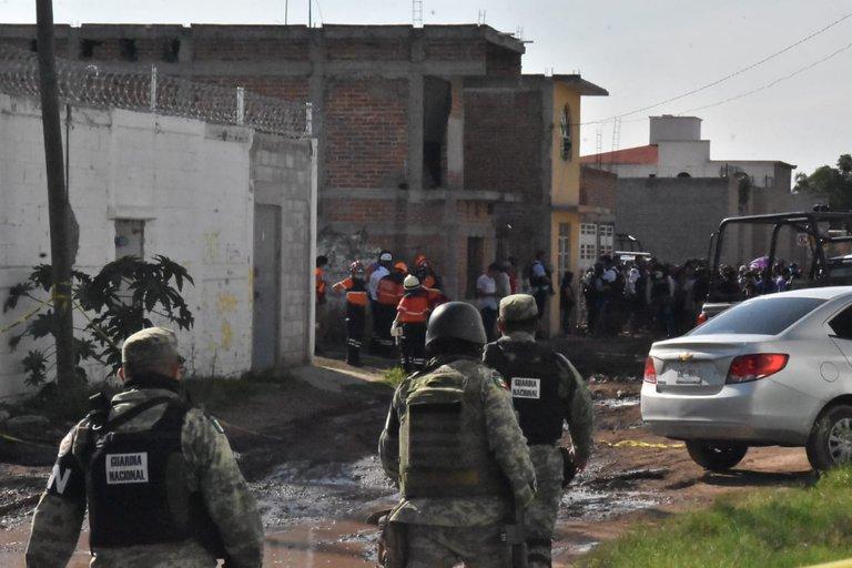 El Ejército y policías estatales y municipales delimitan la zona
