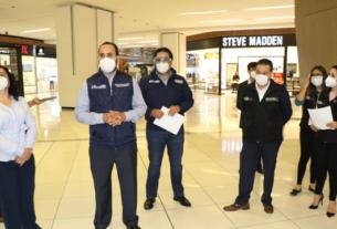 El alcalde de Huixquilucan, Enrique Vargas y empresarios recorren plazas comerciales