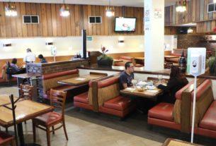 Solo admiten 30 por ciento de la capacidad de los restaurantes