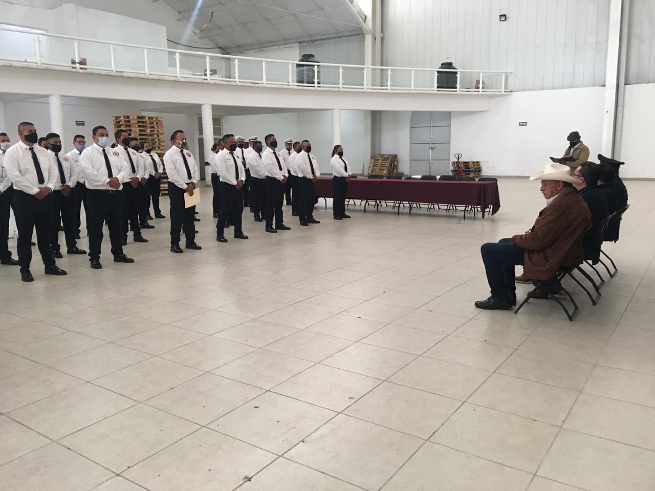 Heroica labor de bomberos en Almoloya de Juárez