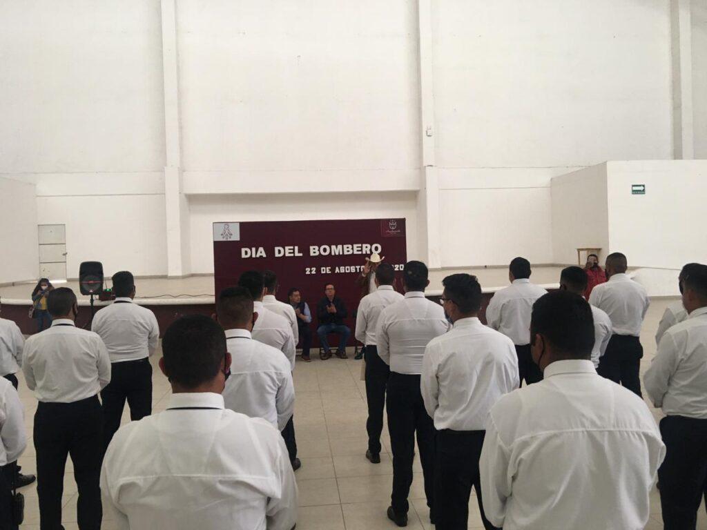 Bomberos de Almoloya de Juárez atienden emergencias como la del COVID-19