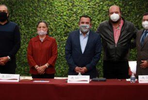 Ricardo Fuertes y Mauricio Aguirre acuerdan con dirigentes de iglesias protocolos para oficios religiosos