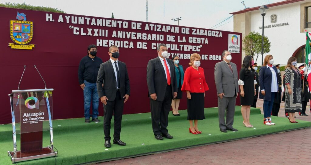 Ciudadanos, la alcaldesa Ruth Olvera, sindicos, regidores y funcionares rinden honores a los Niños Héreos de Chapultepec