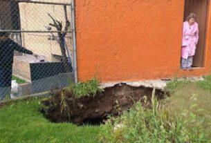 La ama de casa del domicilio afectado por un hundimiento en la calle Rocallosas de la Cuarta Sección de Lomas Verdes