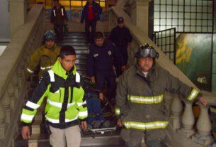 Simulacros para enfrentar grandes riesgos realizan en Tlalnepantla