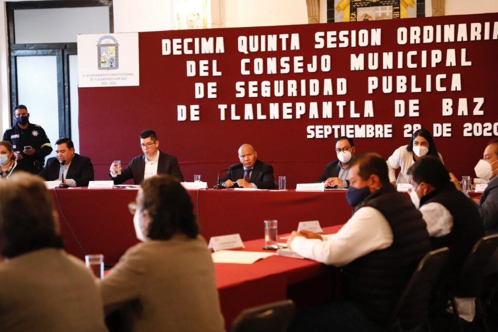 El presidente municipal, Raciel Pérez Cruz, encabeza la sesión del Consejo de Seguridad de Tlalnepantla