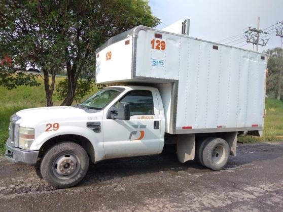 Vehículo que regresó a la empresa a la que pertenece en Tlalnepantla