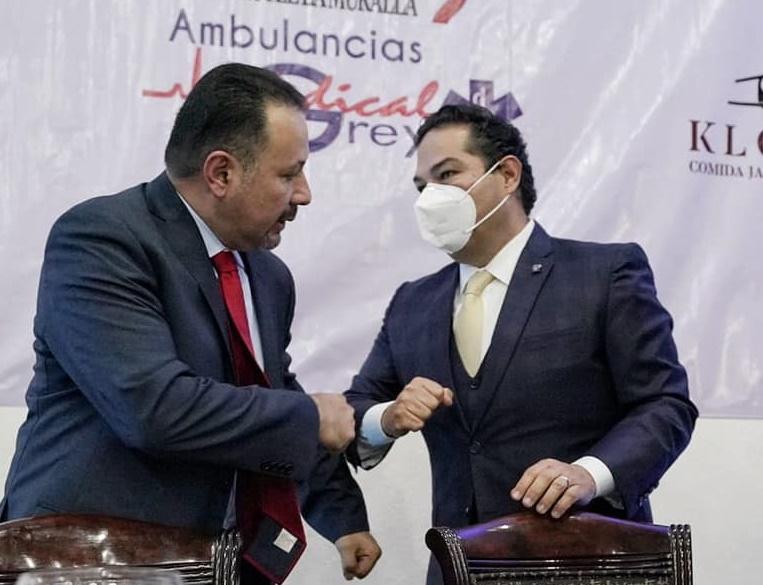 Jorge Luis Millán, president de la COPACIEMe saluda a Enrique Vargas del Villar