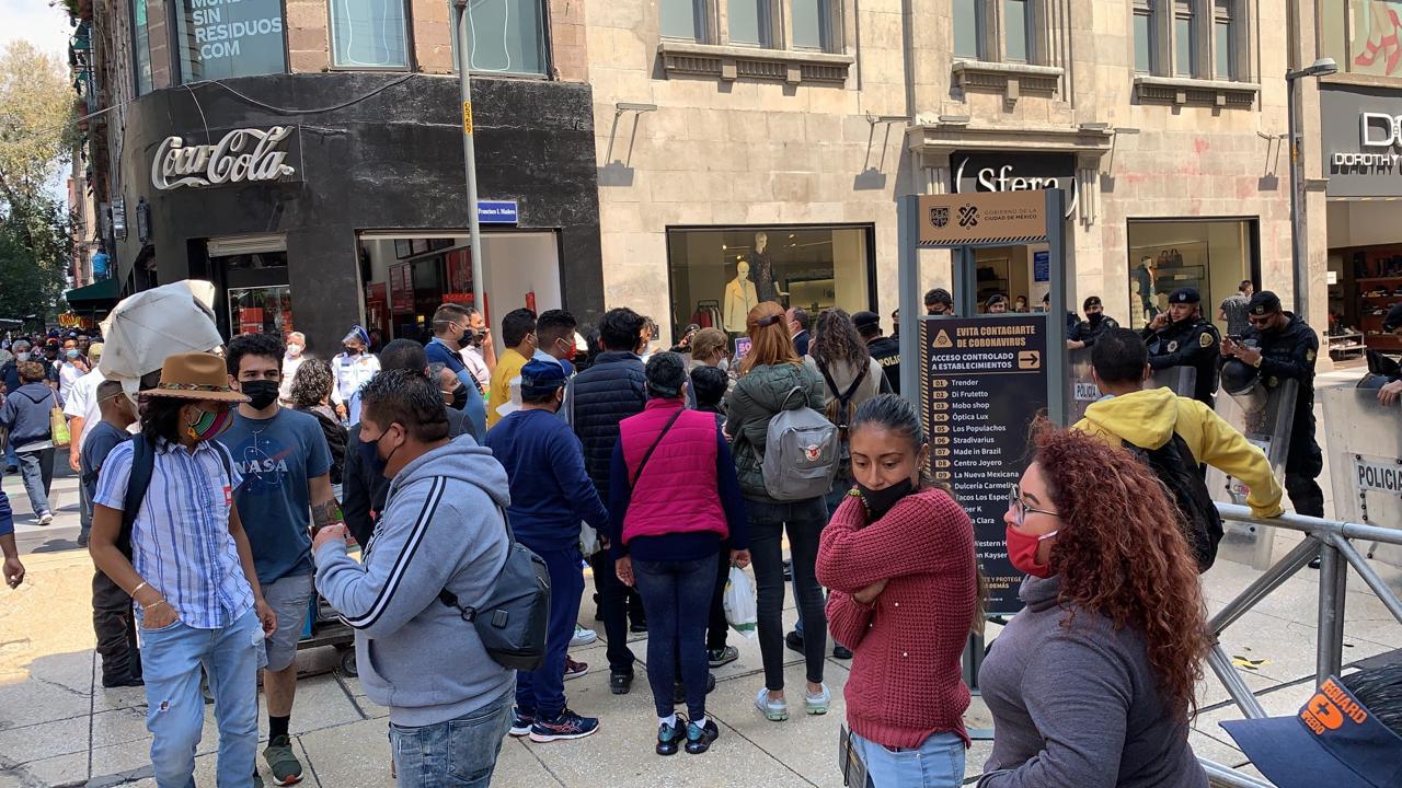 Compradores no pueden ingresar al primer cuadro de la Ciudad de México